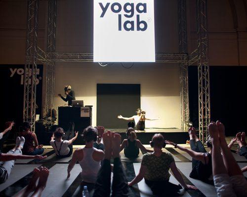 Le yoga en immersion sonore