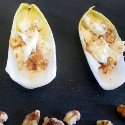Recette bien-être végétarienne: Barquettes d'endive, gorgonzola, poire et noix