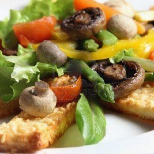 Recette végétarienne: Champignons à l'estragon sur toasts de brioche