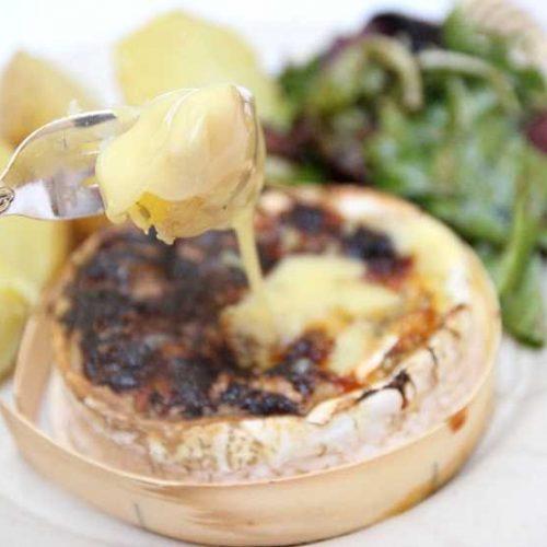 Recette végétarienne: Fondue de camembert au miel et aux noix