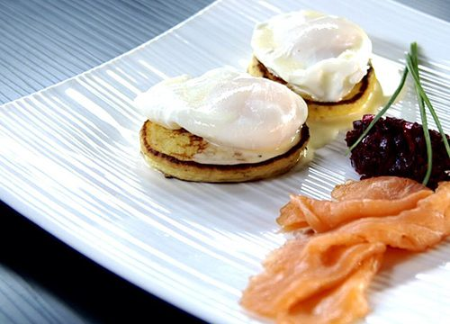 Recette végétarienne: Blinis de pomme de terre à la betterave et à la ciboulette
