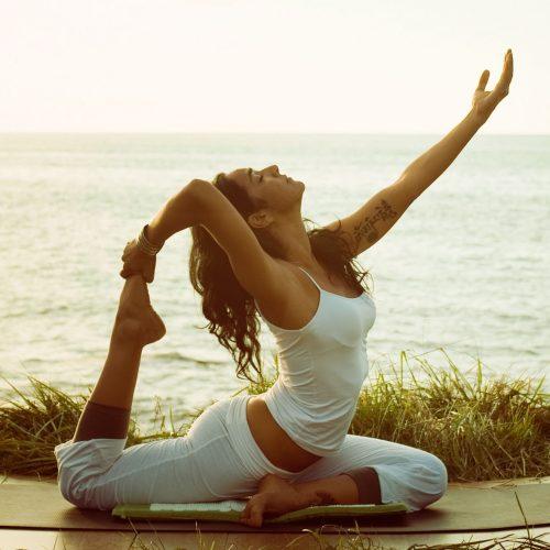 Yoga-au printemps l'énergie yang croît, l'énergie yin décroît