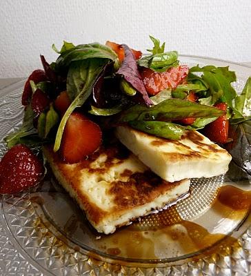Recette végétarienne-Halloumi grillé et salade de poivrons et roquette