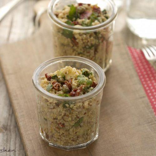 Recette végétarienne-Taboulé de quinoa aux herbes, olives et concombres