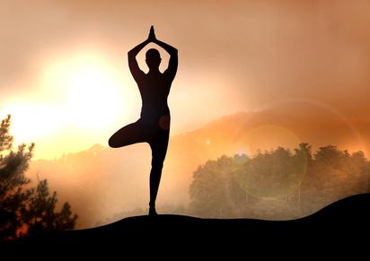 Best of des postures de yoga pour cette saison
