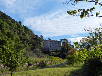 Gîte et lieu de stages-Domaine Le Ribas-Générargues-Languedoc-Roussillon