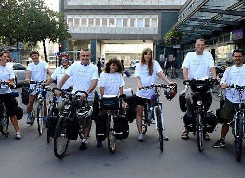 900 km à vélo de Nantes à Biarritz pour découvrir ce qu'est le bonheur