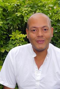 Thérapeute holistique à Paris, Gap et charente maritime avec Dayanand Taïlamé