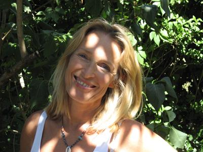 Clairette Schneider, kinésiologue, sophrologue, EFT et Kundalini Yoga dans le Sud Ouest Lyonnais