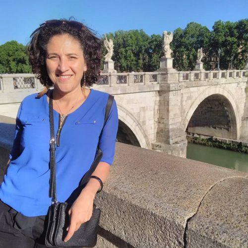 Baya SAKER, praticienne en rebirth et décodage émotionnel à Toulouse