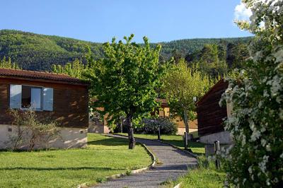 Le Pré Martin, village d'hôtes en Provence à Annot, Alpes-de-Haute-Provence