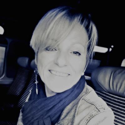 Corinne Quercioli, Hypnose, Scan thérapeutique, Thérapie par les cartes, Coaching, Soins Energétiques