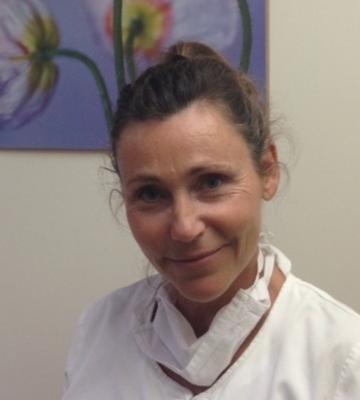 Laurence Sultan, specialisée en naturopathie pour problèmes gencives, grincement /serrement des dents et acouphènes à Levallois
