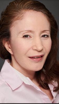 Nora Aït-Idir, sophrologue et Conseillère en Fleurs de Bach a Paris