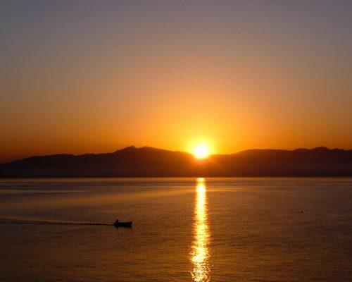 Temple d'Alliances, stages initiatiques en Grèce et en France, guidance, massage et soins énergétiques