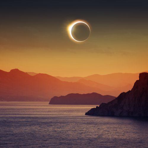 Nouvelle lune et éclipse solaire le 26 février 2017
