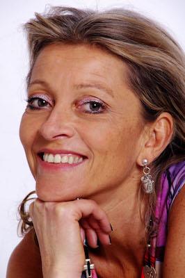 Sophie Touttée Henrotte,  thérapies individuelles et de couples, orientation scolaire, bilan de compétences, yoga et sonotherapie, coaching, formations