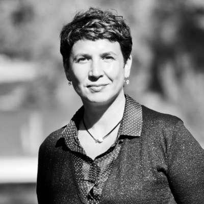 Fatima Redjimi, Thérapie Brève Hypnose Intégrative – Programmation neuro-linguistique (PNL)- Coaching
