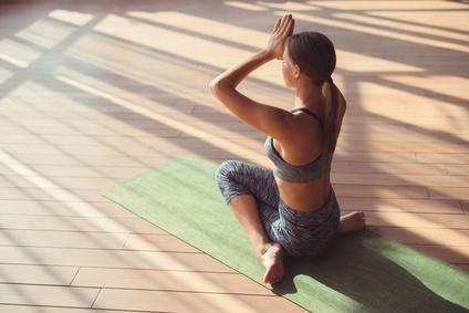 Besoin de faire une pause ? Voici une séance de Yoga facile !