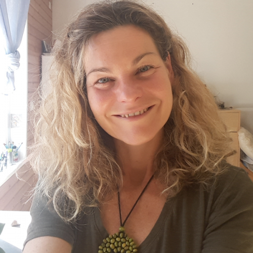 Stephanie Soler, Connaissance de Soi, Guide spirituel, guérisseuse d'âmes et Aura-thérapeute.