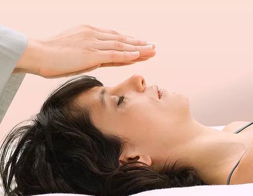 Energi'sons , technique de soins associant la sonothérapie , le Reiki et les soins Isis