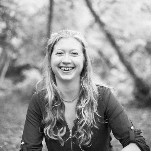 Rebecca Thompson, Thérapies psycho-corporelles et enracinement par les sens – Revenir-Ô-Sens