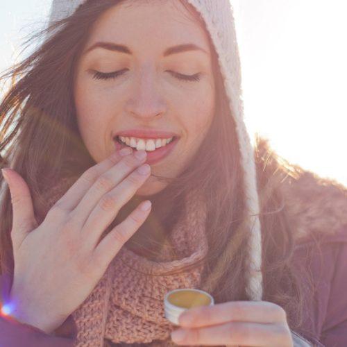Comment lutter contre les ongles striés ?
