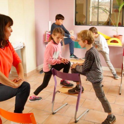 Le Yoga a sa place à l'école et dans le périscolaire