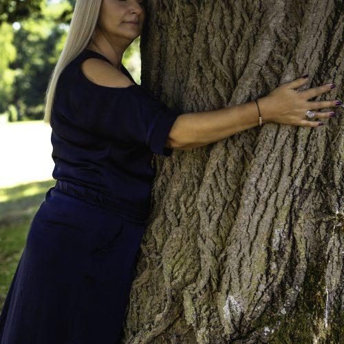 Isabelle Deslandes, enseignante de la pleine conscience, Guérisseuse, Messagère, créatrice de Femme Femme Femme