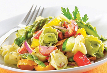 Recette végétarienne-Salade de tortellinis aux poivrons et aux champignons