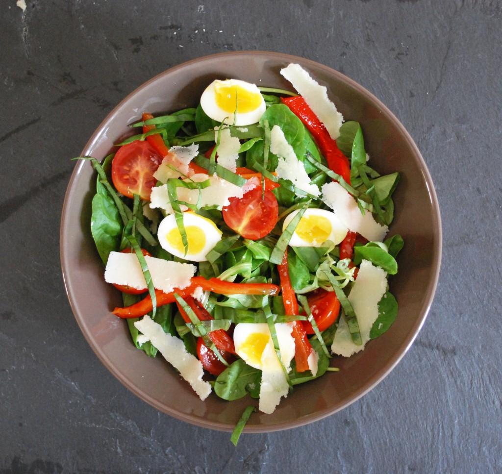 Recette végétarienne-Salade aux oeufs de caille et aux ...