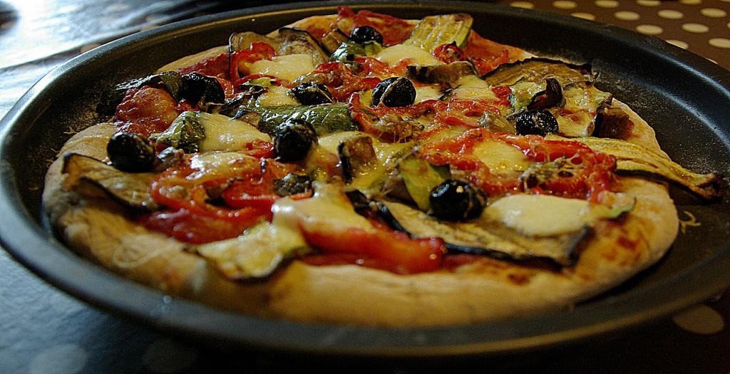 Recette v g tarienne pizzas aux l gumes grill s neo bien tre - Recette legumes grilles au four ...
