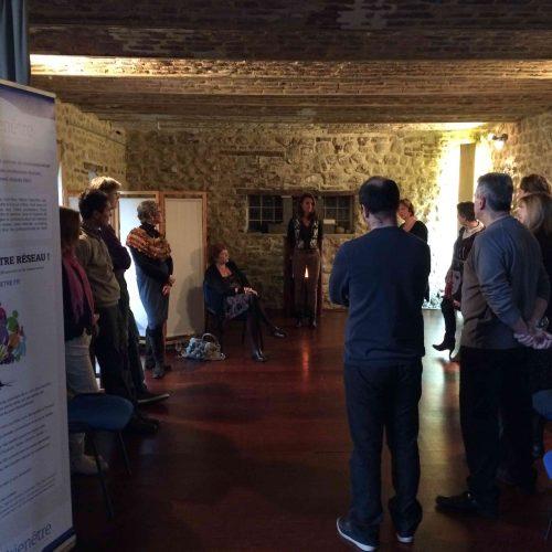 Rencontre inter-professionnels du bien-être et thérapeute à Bruxelles