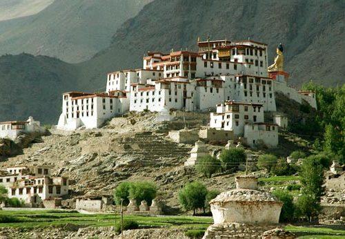 Voyage Initiatique et bien-être dans le Petit Népal