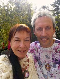 Evelyne et Jérôme Lavignac, numérologie spirituelle, créations de bijoux et senteurs vibratoires