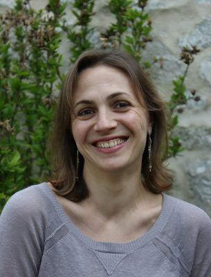 Virginie Estienne, Sophrologue certifiée RNCP, hypnothėrapeute humaniste et formatrice professionnelle