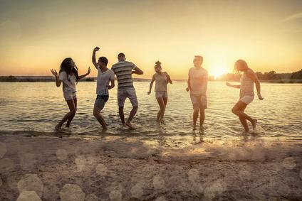 S'entourer de personnes positives, une composante du bonheur