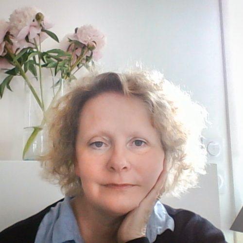 Patricia Vidili-kaluzny, Professionnelle de l'Accompagnement en Relation d'Aide, Directrice du centre de formations A.E.T.-FORMATIONS