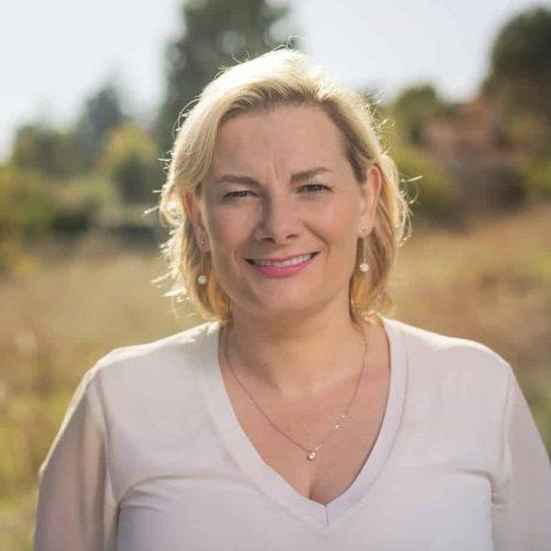 Sandrine Tolegano Jourdren,  instructrice qualifiée de méditation de pleine conscience (mindfulness) et du programme de gestion du stress MBSR